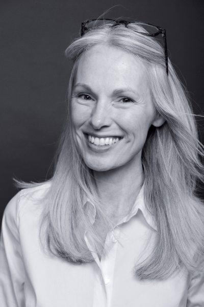 author Jennifer Martain